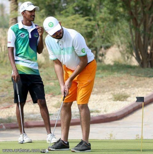 السعودي عثمان الملا يتصدر منافسات بطولة الجولف المفتوحة