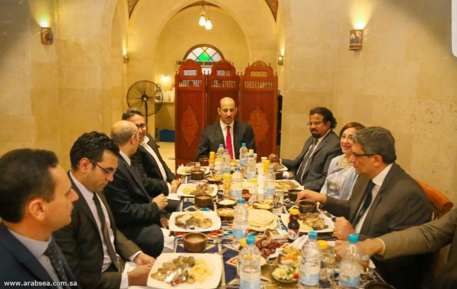 الملحق الثقافي السعودي يناقش مع وزير التعليم مطالب الطلاب المبتعثيين بمصر