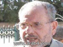وزير جزائري يشبه المتنقبات بالنساء العاريات