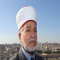 مفتي القدس يناشد العالم لمساعدة اللاجئين الفلسطينيين في مخيم اليرموك