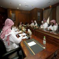 معالي النائب يعقد اجتماع بأعضاء لجنة حملة
