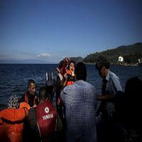فقدان أربعة أطفال بعد غرق قارب يقل مهاجرين