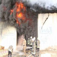 حريقا في ( 3 ) مستودعات بحي المعيصم