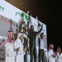 سلطان الفيصل يتوج الفائزين بالجولة الأولى من مهرجان السباقات