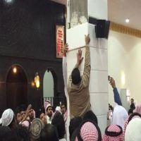 إصابة مصلين إثر سقوط قطع من «الرخام» لأحد أعمدة المساجد في عفيف