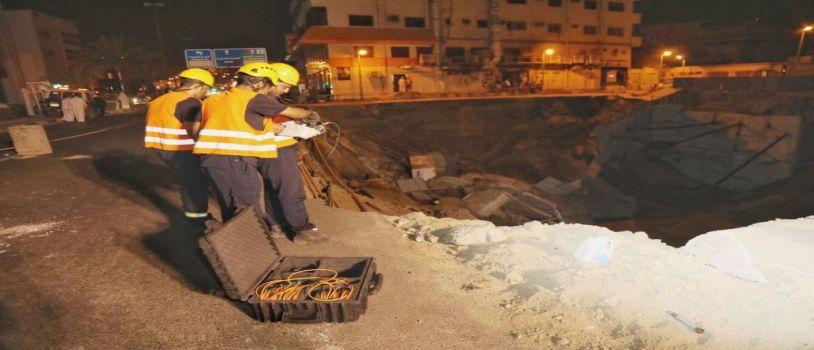 مدني مكة يبحث عن مفقودين في المبنى المنهار بالشهداء