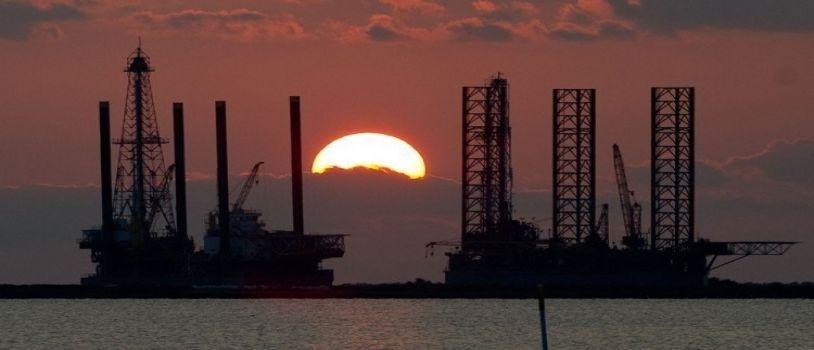 النفط يواصل الارتفاع ويقترب من الـ 67 دولارا