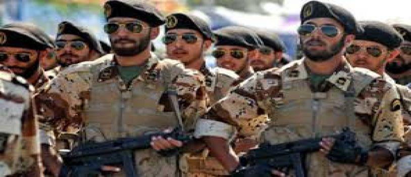 تواصل المواجهات خارج قاعدة عسكرية بايران ومقتل عناصر مخابراتية