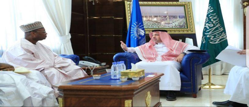 مدير الجامعة الإسلامية يستقبل سفير بنين