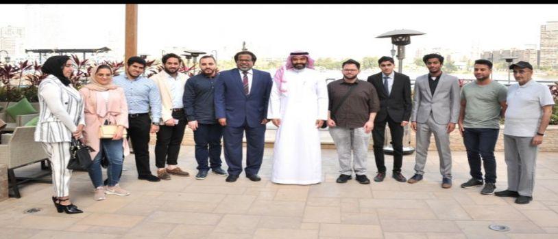 وزير الإتصالات بالمملكة وسفير خادم الحرمين الشريفين يلتقون بالطلبة السعوديين