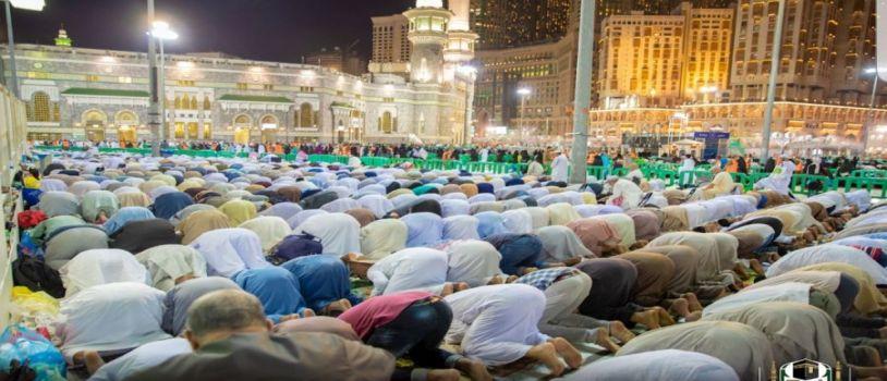 أكثر من مليوني ونصف مصلٍ ليلة ختم القرآن .. وسط خدمات متميزة