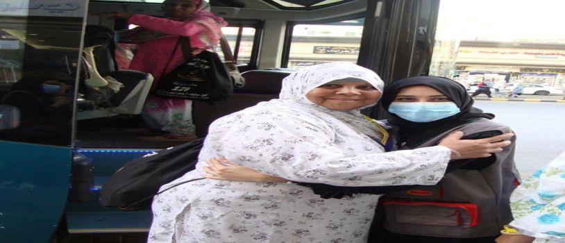 نسائية جنوب آسيا التطوعية تشاركن في ترحيل ضيفات الرحمن للمدينة