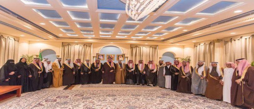 أمير منطقه الجوف يستقبل وفد من رجال الأعمال من مختلف مناطق المملكة