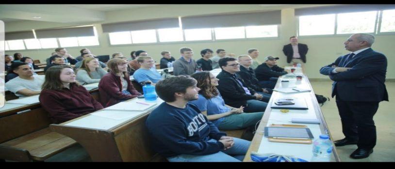 تدريب طلاب جامعة تكساس الامريكية علي أخلاقيات الهندسة بالاكاديمية العربية للعلوم والتكنولوجيا